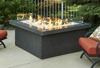 the-pointe-fire-pit-table